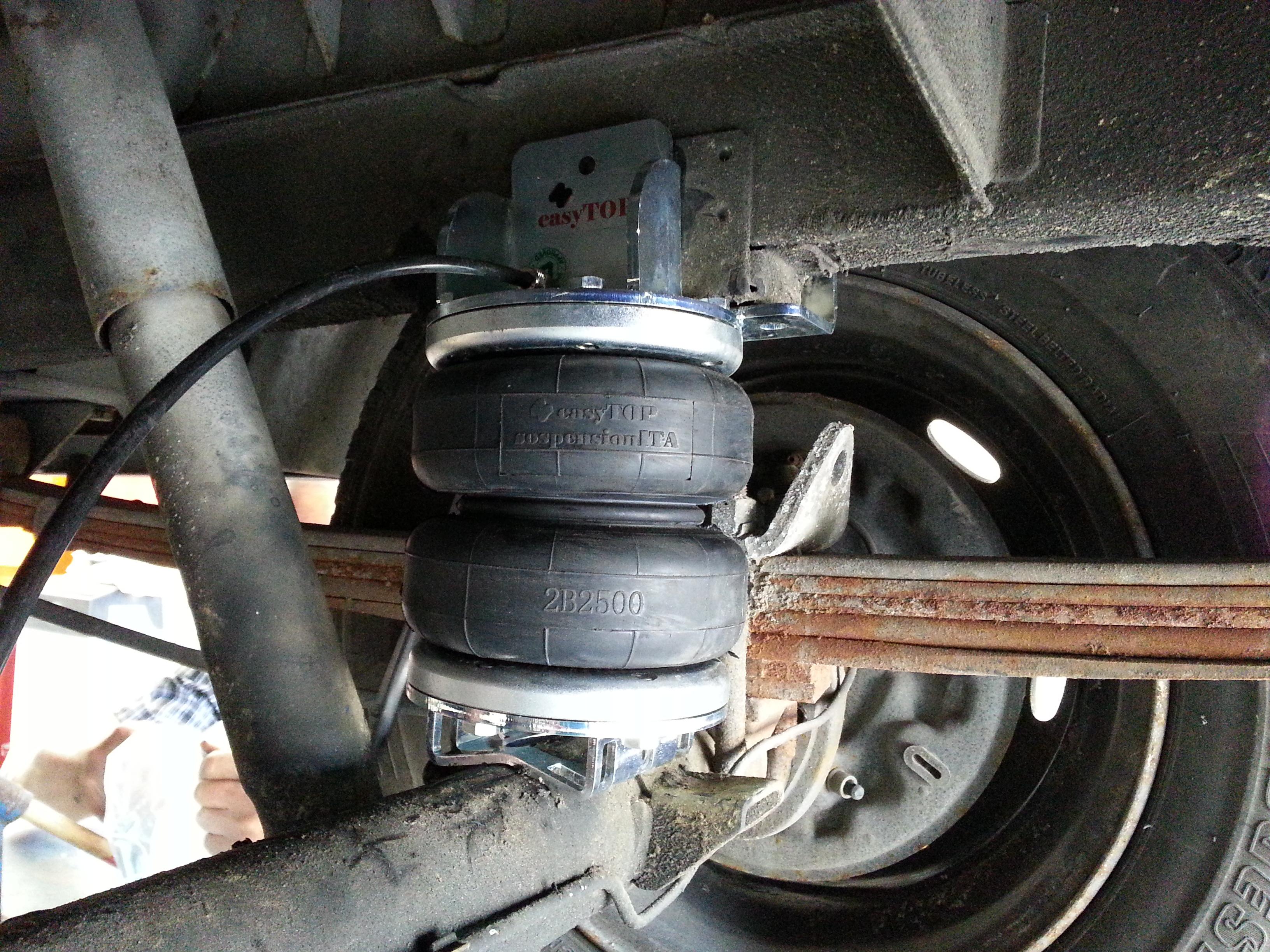 Sospensioni molle soffioni ad aria easytop camper furgone for Kit trasformazione furgone in camper